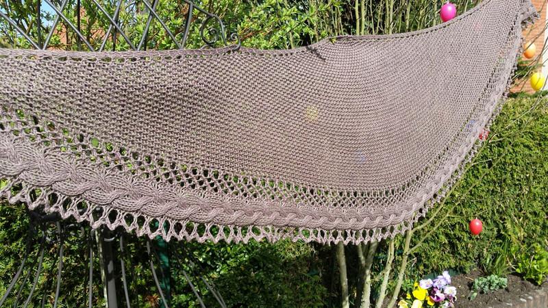 Kleinesbild -  Lacetuch *ZÖPFLI* gestricktes Schultertuch in braun Baumwolle
