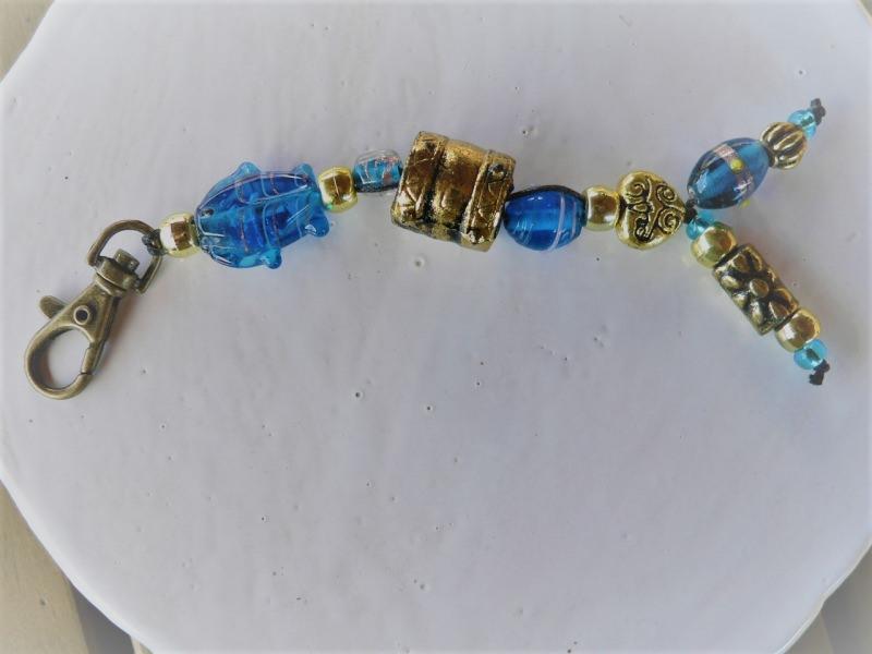 - Schlüsselanhänger Taschenanhänger im Blau  Gold Perlenmix - Schlüsselanhänger Taschenanhänger im Blau  Gold Perlenmix