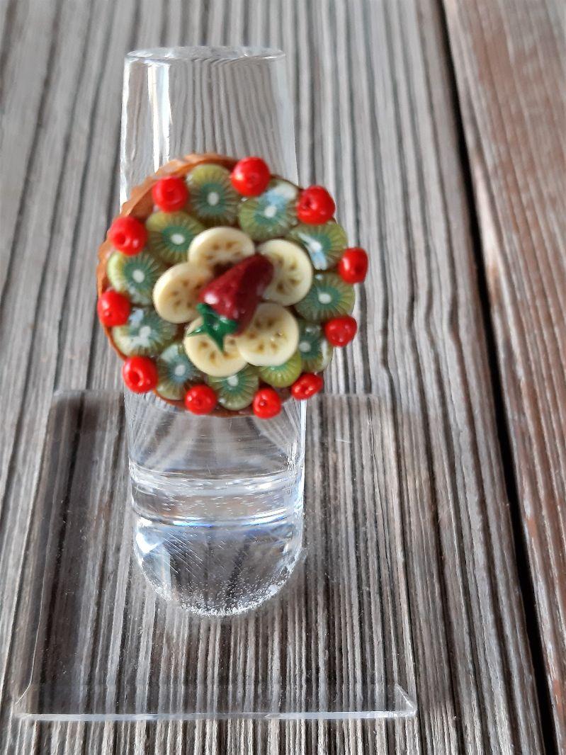 - Ring Obsttorte modelliert aus Fimo belegter Tortenboden witziger Candyschmuck aus Polymer Clay  - Ring Obsttorte modelliert aus Fimo belegter Tortenboden witziger Candyschmuck aus Polymer Clay