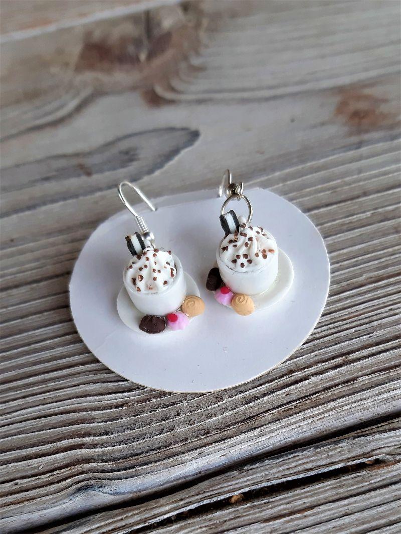 -  Ohrhänger  Kaffeetassen Ohrringe Kaffee mit Pralinen witziger Ohrschmuck   -  Ohrhänger  Kaffeetassen Ohrringe Kaffee mit Pralinen witziger Ohrschmuck