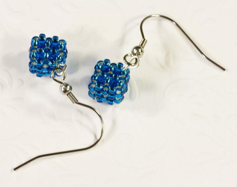 Kleinesbild - Ohrringe: kleine Würfel ~ Blau / Türkis