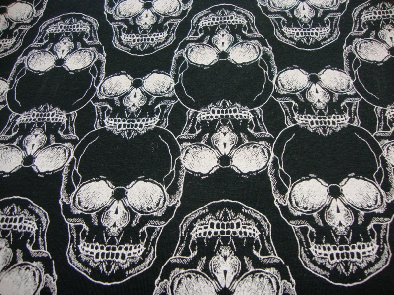 - French Terry Sweat Skulls weiße Totenköpfe Schädel auf schwarz innen leicht angeraut Sommersweat - French Terry Sweat Skulls weiße Totenköpfe Schädel auf schwarz innen leicht angeraut Sommersweat