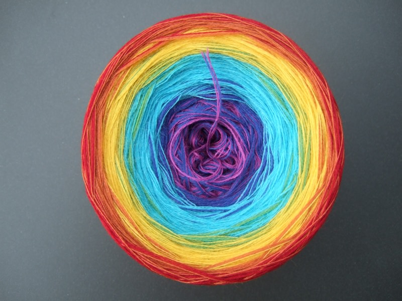 Kleinesbild - 3-fädig gefachtes Farbverlaufsgarn Wolke 7 Regenbogen 780m Lauflänge