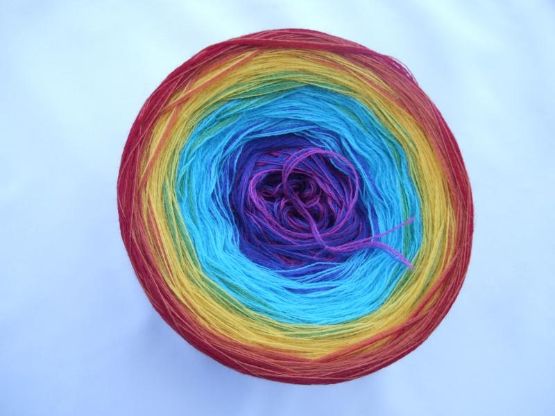 Kleinesbild - 3-fädig gefachtes Farbverlaufsgarn Wolke 7 Regenbogen 900m Lauflänge