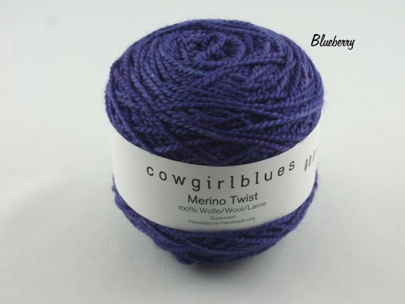- Handgefärbte Merino Twist Solid Blueberry von Cowgirl Blues - Handgefärbte Merino Twist Solid Blueberry von Cowgirl Blues