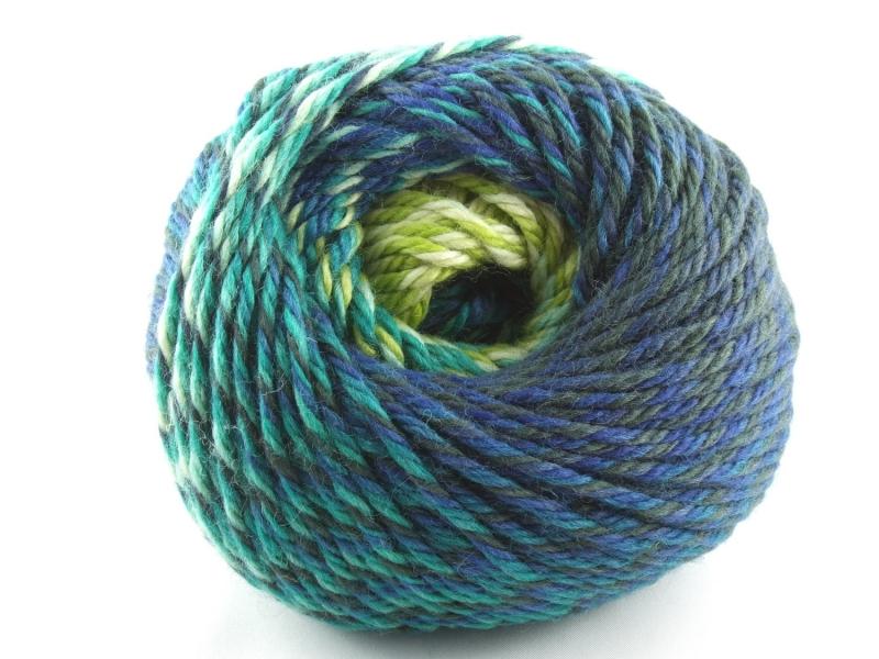 Kleinesbild - schöne Multicolorwolle von Katia Montblanc Farbe 70 in petrol, türkis und grün