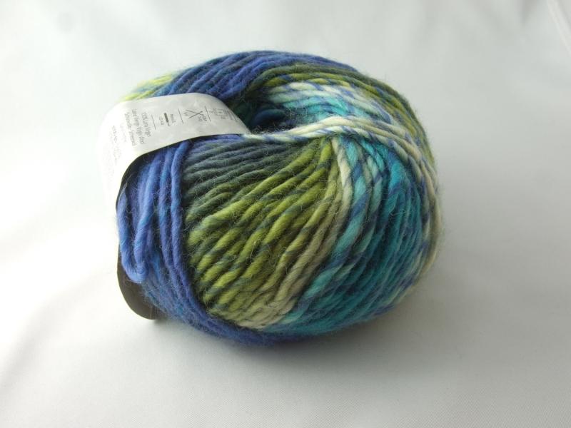 Kleinesbild - schöne Multicolorwolle von Katia Art Wool Farbe 67 in blau, türikis und grün