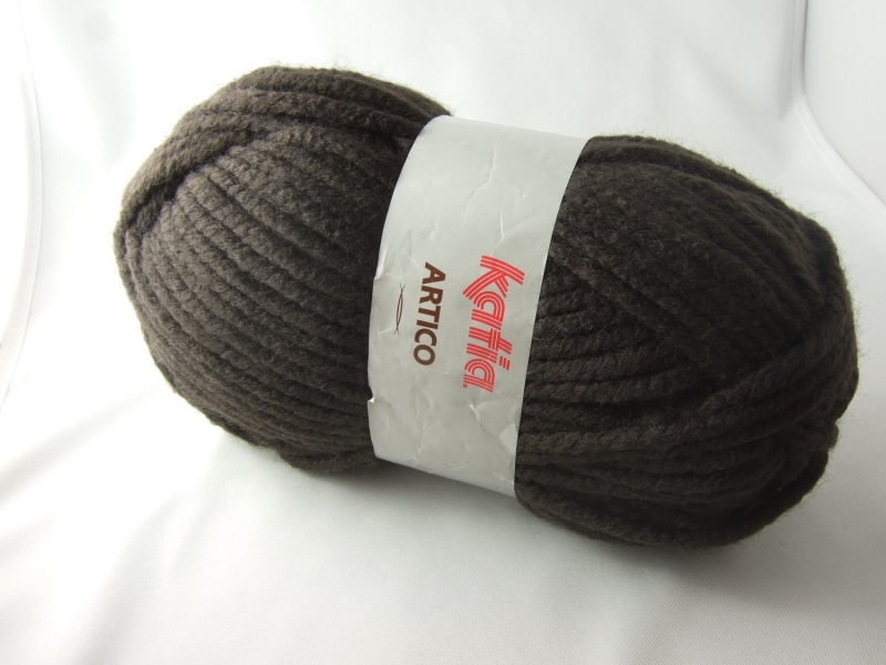 - dickes einfarbiges Garn von Katia Artico Farbe 9 in braun - dickes einfarbiges Garn von Katia Artico Farbe 9 in braun