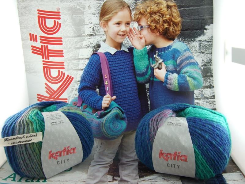 Kleinesbild - schöne Multicolorwolle von Katia City Farbe 957 in türkis und blau