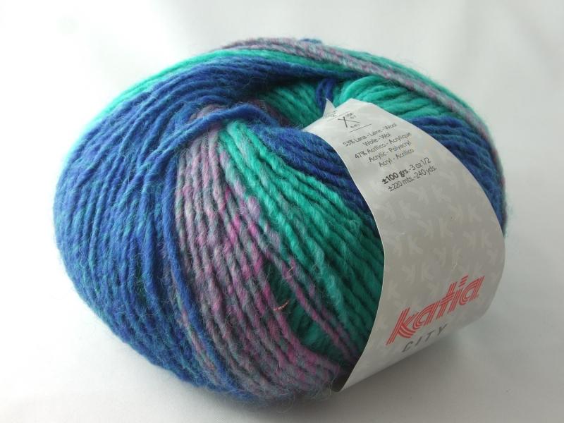 - schöne Multicolorwolle von Katia City Farbe 957 in türkis und blau - schöne Multicolorwolle von Katia City Farbe 957 in türkis und blau