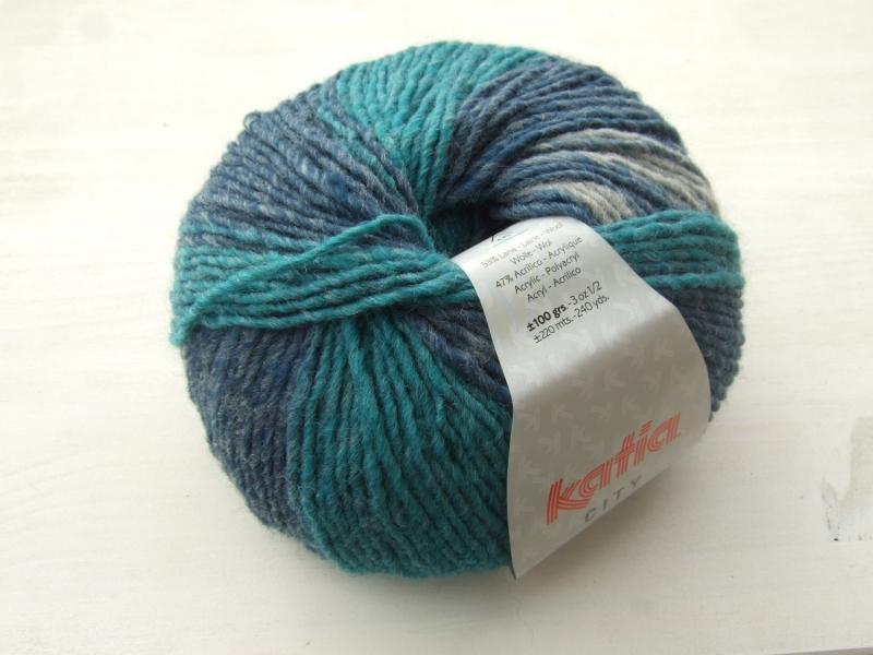 - schöne Multicolorwolle von Katia City Farbe 903 in türkis, blau und grau - schöne Multicolorwolle von Katia City Farbe 903 in türkis, blau und grau