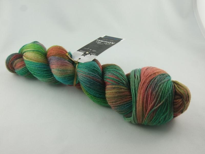 Kleinesbild - wunderschönes coloriertes Sockengarn Schoppel Admiral Cat Print Farbe Blühende Landschaften