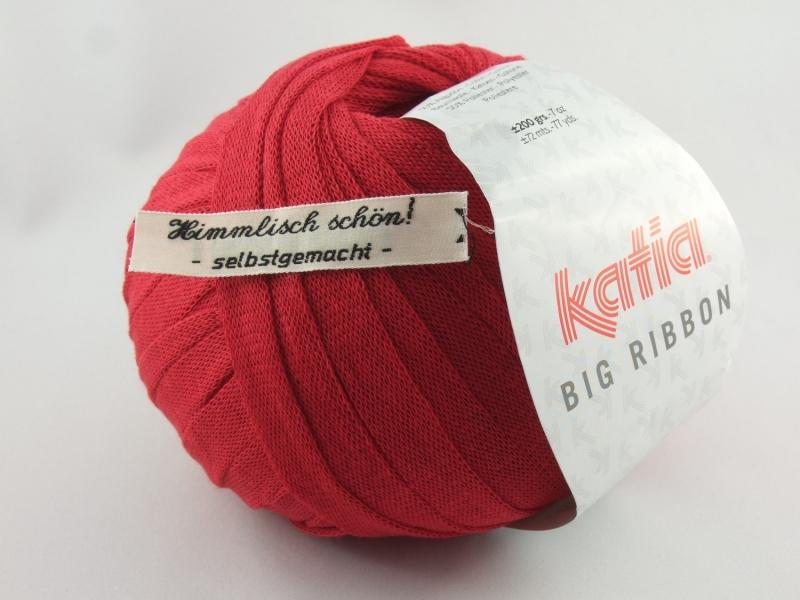 - flaches einfarbiges Bändchengarn von Katia Big Ribbon Farbe 4 in rot - flaches einfarbiges Bändchengarn von Katia Big Ribbon Farbe 4 in rot