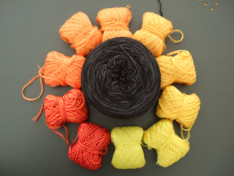 Kleinesbild - 4-fädig gefachtes Farbverlaufsgarn (Bobbel) Wolke 7 Herbstlaub 1 Minibobbel 10x 60m Lauflänge