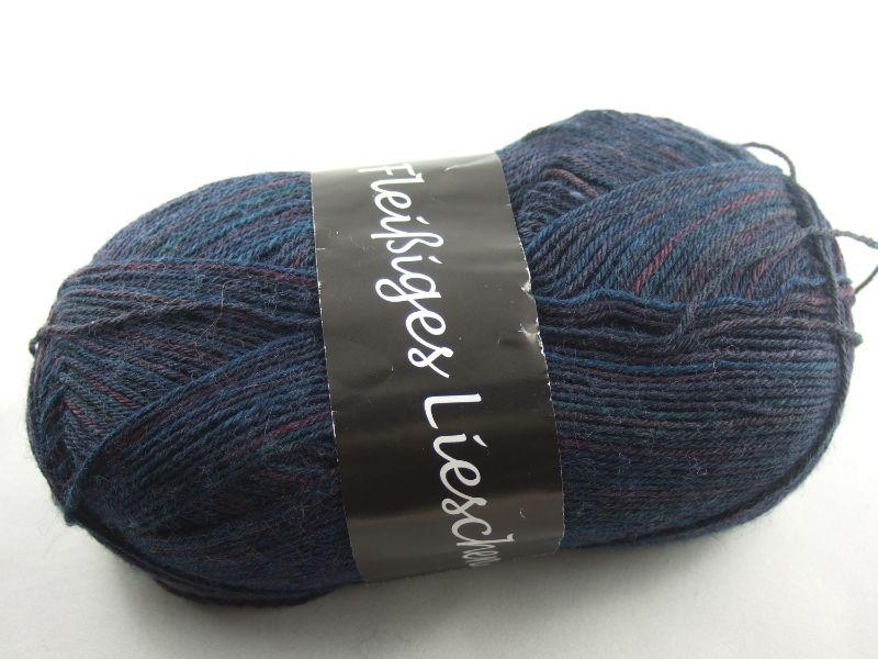 - schöne 4-fach Sockenwolle Fleißiges Lieschen in dunkelblau mit weinrot, Farbe Nr. 07 - schöne 4-fach Sockenwolle Fleißiges Lieschen in dunkelblau mit weinrot, Farbe Nr. 07