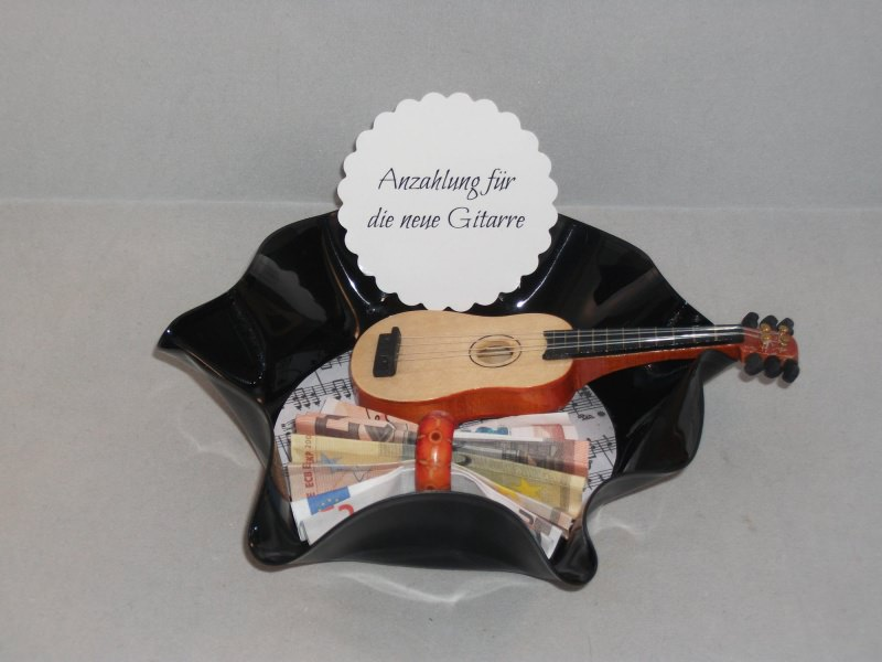 - Geldgeschenk Geburtstag, verbogene Schallplatte, Musik, Gitarre, Vinyl - Geldgeschenk Geburtstag, verbogene Schallplatte, Musik, Gitarre, Vinyl
