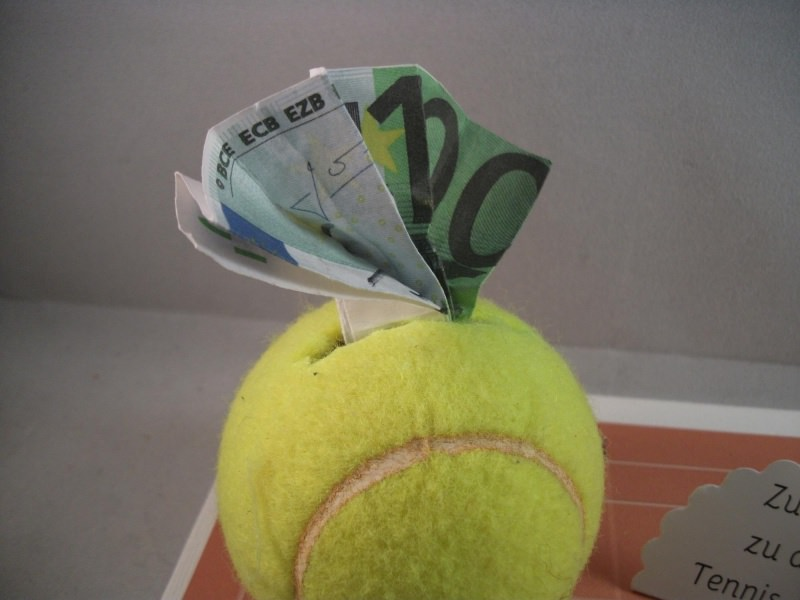 Kleinesbild - Geldgeschenk für Tennisstunden, Geburtstag, Tennisschläger, Tennis, Tenniskleidung, Sportkleidung