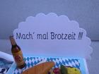 Kleinesbild - Geldgeschenk, Streichholzschachtel, bayrische Brotzeit, Brotzeitteller, Bayern, Bier,  Käseplatte, Käse, Bierflasche
