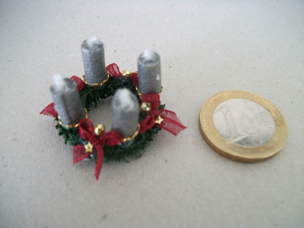 - Mini-Adventkränzchen für die Puppenstube, Adventkranz, Puppenstuben-Deko, Puppenhaus  - Mini-Adventkränzchen für die Puppenstube, Adventkranz, Puppenstuben-Deko, Puppenhaus