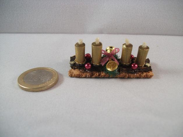 - Mini-Adventsgesteck für die Puppenstube, Adventgesteck, Puppenstuben-Deko, Puppenhaus, Tischgesteck     - Mini-Adventsgesteck für die Puppenstube, Adventgesteck, Puppenstuben-Deko, Puppenhaus, Tischgesteck