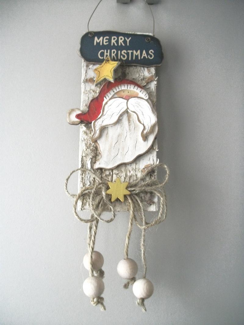 - kleine weihnachtliche Wanddekoration, Türdekoration, Holz-Deko auf Rinde   - kleine weihnachtliche Wanddekoration, Türdekoration, Holz-Deko auf Rinde