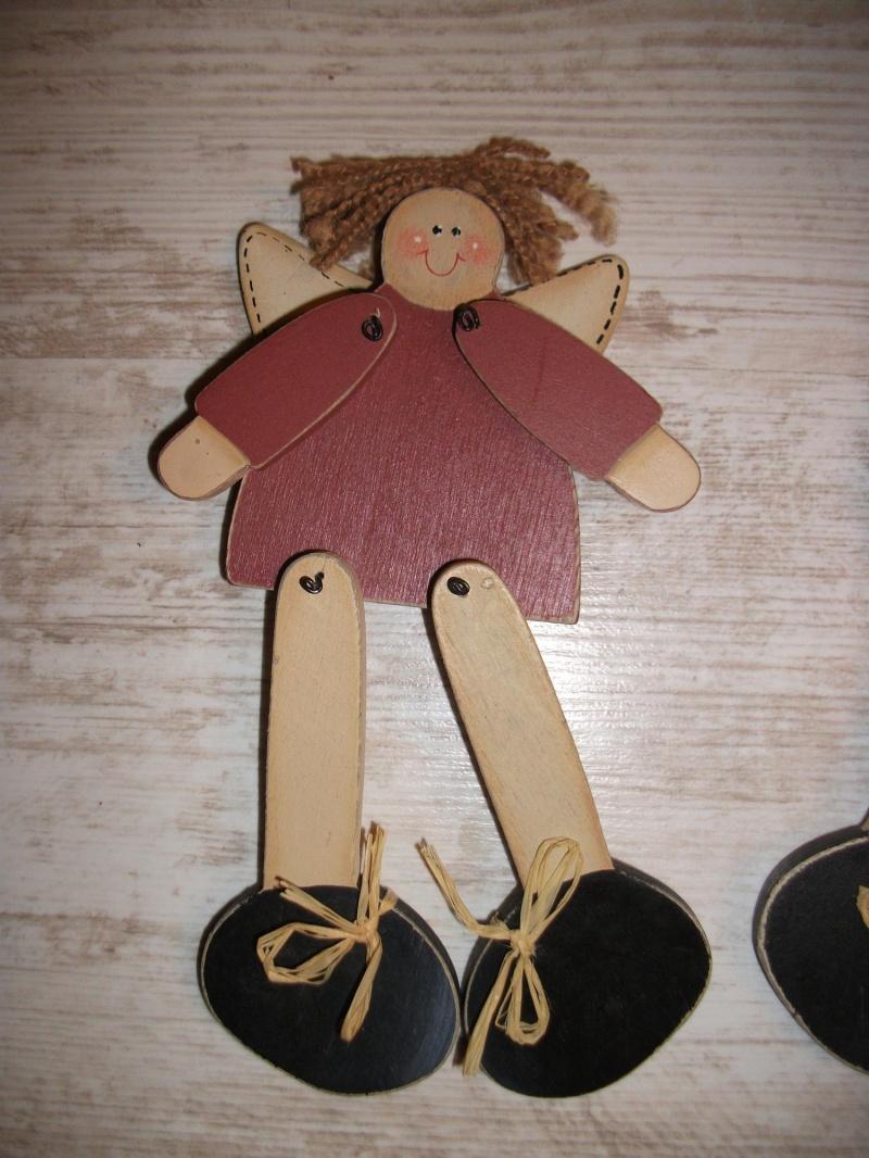 Kleinesbild - Kantenhocker Engel, Holzengel mit Schlenkerbeinen, lustig, niedlich