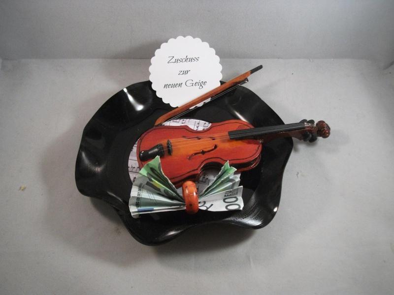 - Geldgeschenk, Geburtstag, verbogene Schallplatte, Musik, Geige, Vinyl   - Geldgeschenk, Geburtstag, verbogene Schallplatte, Musik, Geige, Vinyl