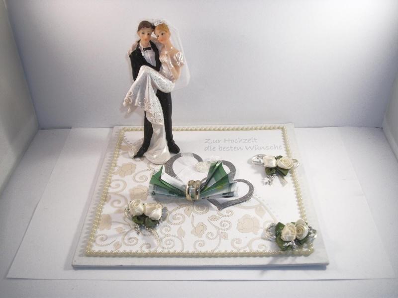 - Geldgeschenk, Hochzeit, Brautpaar, Vermählung, Ehe, er trägt sie, auf Händen getragen - Geldgeschenk, Hochzeit, Brautpaar, Vermählung, Ehe, er trägt sie, auf Händen getragen