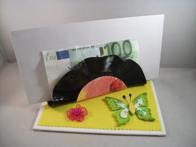 Kleinesbild - Geldgeschenk Briefablage aus alter Schallplatte, Geburtstag, Zettelhalter, Serviettenhalter