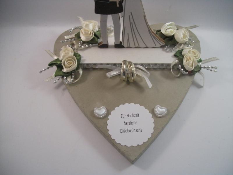 Kleinesbild - Geldgeschenk, Hochzeit, Ehe, Vermählung, Herz, Holzherz, Brautpaar-Figur aus Holz, Hochzeitsgeschenk
