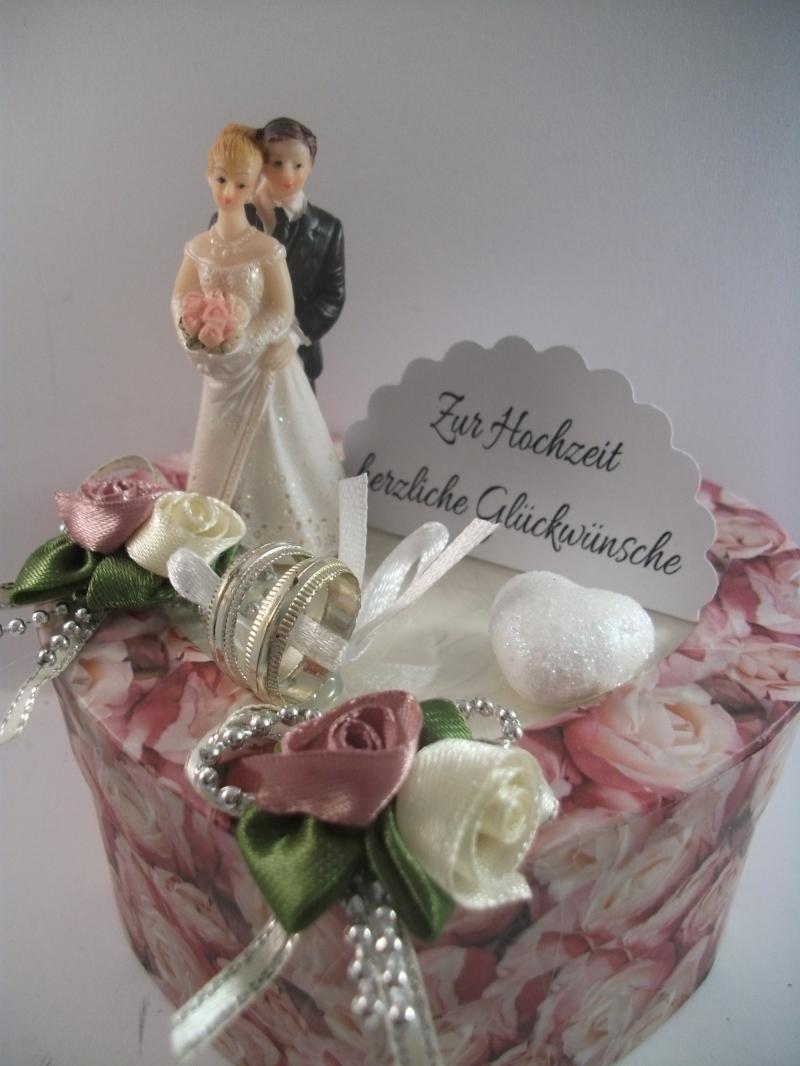 Kleinesbild - Geldgeschenk Hochzeit, Herzschachtel mit Rosendruck allover, altrosa, mit kleinem Brautpaar