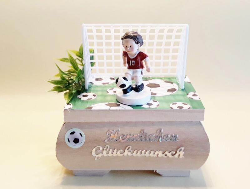 Anlasse Geldgeschenk Zum Geburtstag Fur Fussballfans Holzkastchen