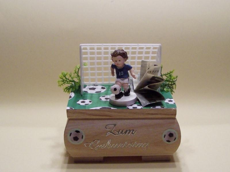 - Geldgeschenke für Fußballfans Geburtstag,Kommunion,Konfirmation Holzkästchen Geschenkbox, Figur blau-weiß - Geldgeschenke für Fußballfans Geburtstag,Kommunion,Konfirmation Holzkästchen Geschenkbox, Figur blau-weiß