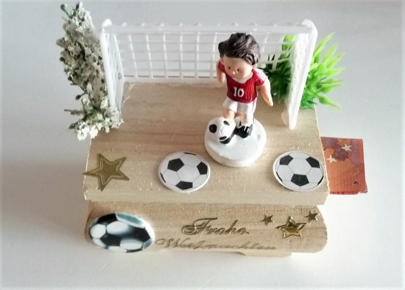 Kleinesbild - Geldgeschenk Weihnachten Geschenkkästchen Fußballer Rot-Weiß Geschenk Verpackung  Vorname