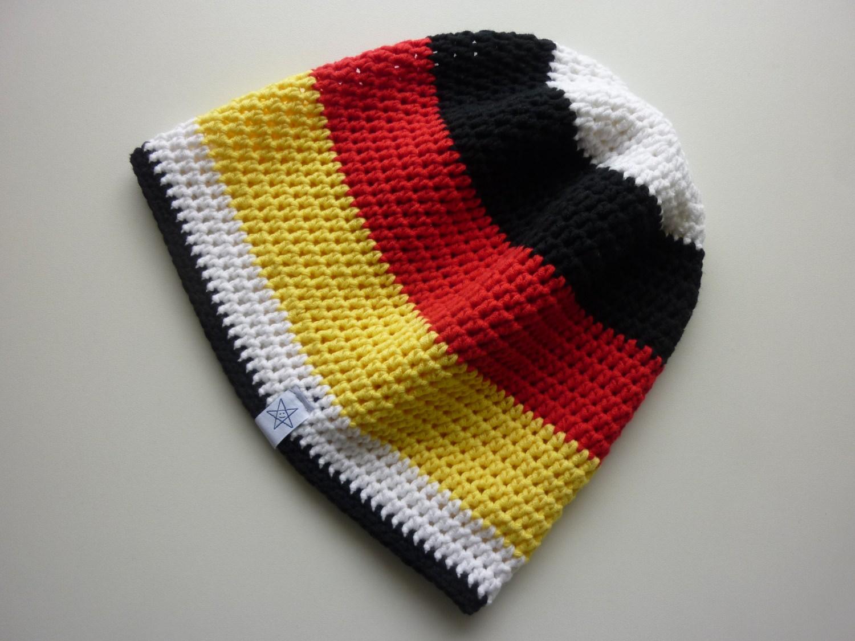 Kleinesbild - Häkelmütze Deutschland schwarz rot gelb