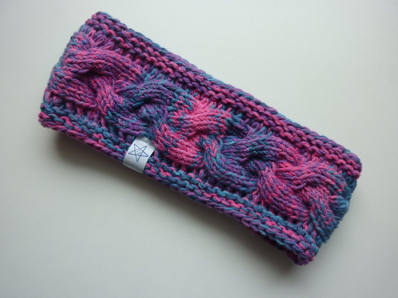 - Stirnband pink violett blau mit Zopfmuster handgestrickt - Stirnband pink violett blau mit Zopfmuster handgestrickt