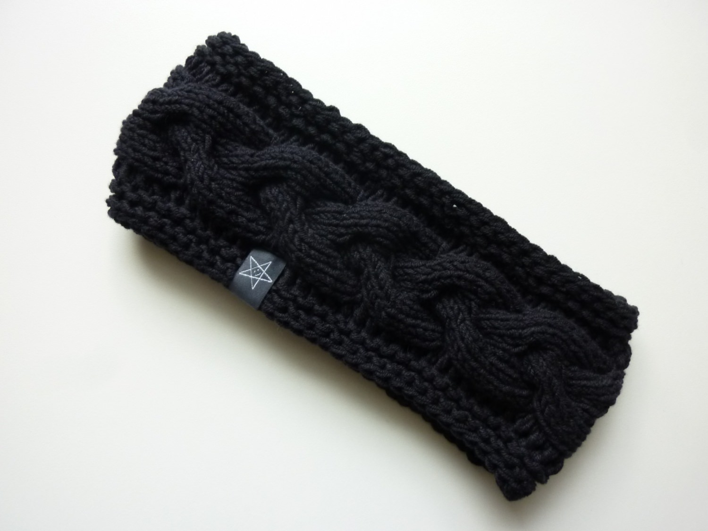 - Stirnband schwarz mit Zopfmuster handgestrickt - Stirnband schwarz mit Zopfmuster handgestrickt