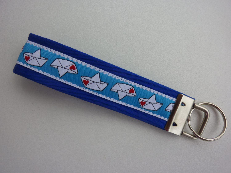 Kleinesbild - Schlüsselanhänger Boot mit Herzchen in blau