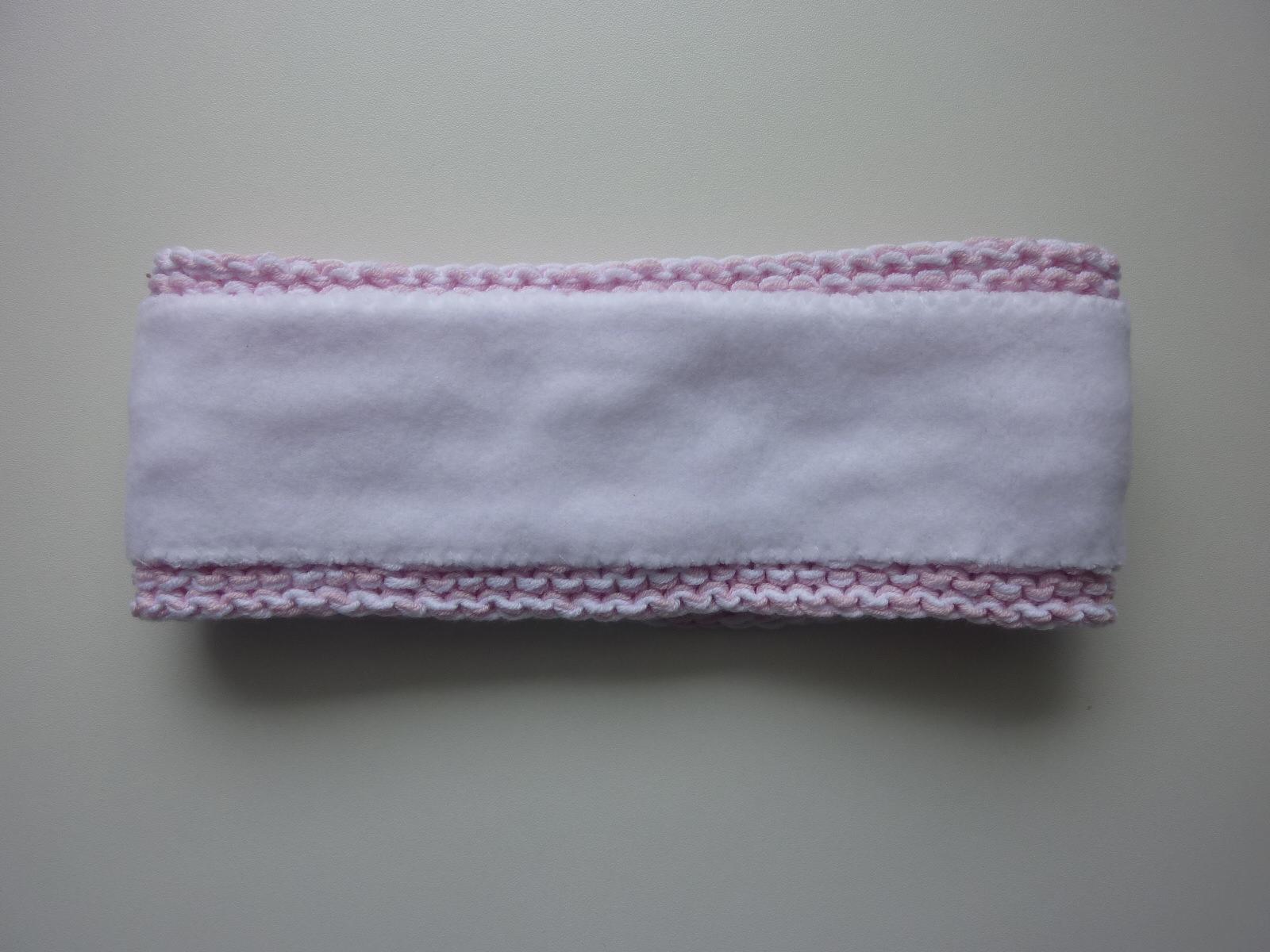 Kleinesbild - gefüttertes Stirnband in blassrosa weiß aus Baumwolle handgestrickt