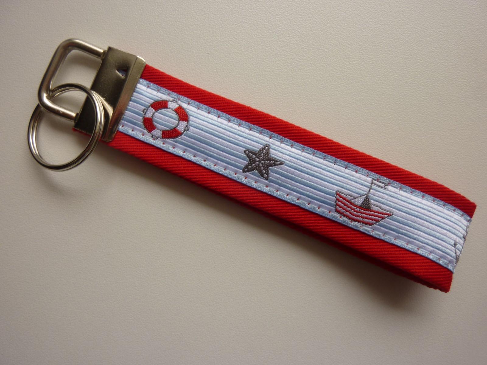Kleinesbild - Schlüsselanhänger AHOI in rot