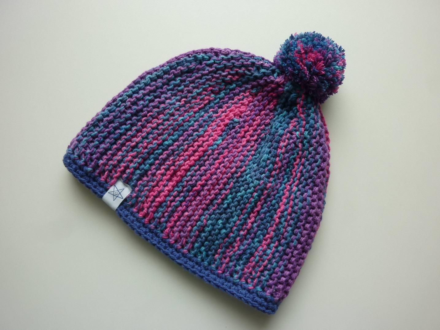 - Bommelmütze Pink Lila Blau aus Baumwolle handgestrickt, mit Fleece gefüttert - Bommelmütze Pink Lila Blau aus Baumwolle handgestrickt, mit Fleece gefüttert