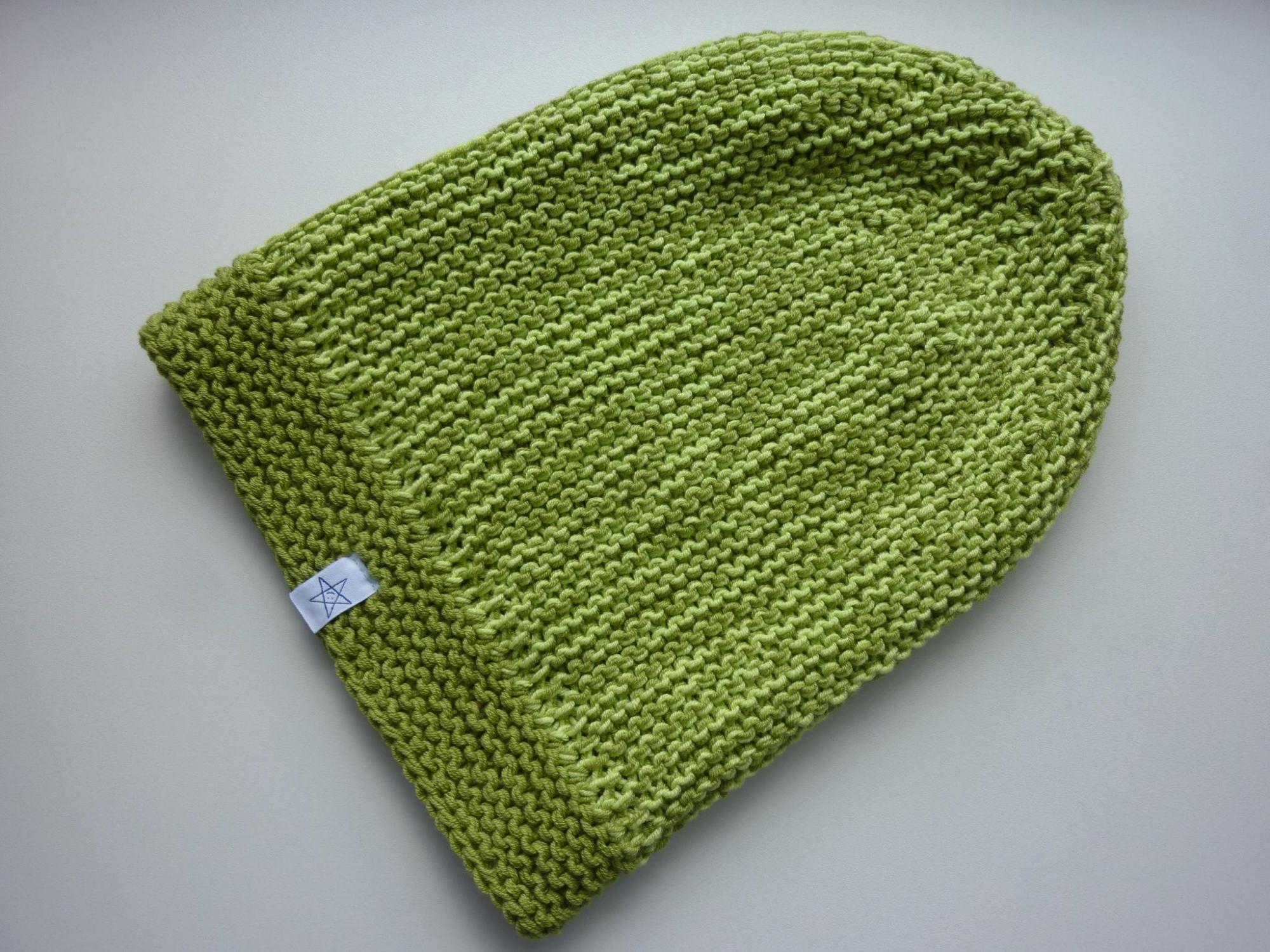 Kleinesbild - lange Strickmütze in kiwigrün und hellgrün aus Baumwolle handgestrickt