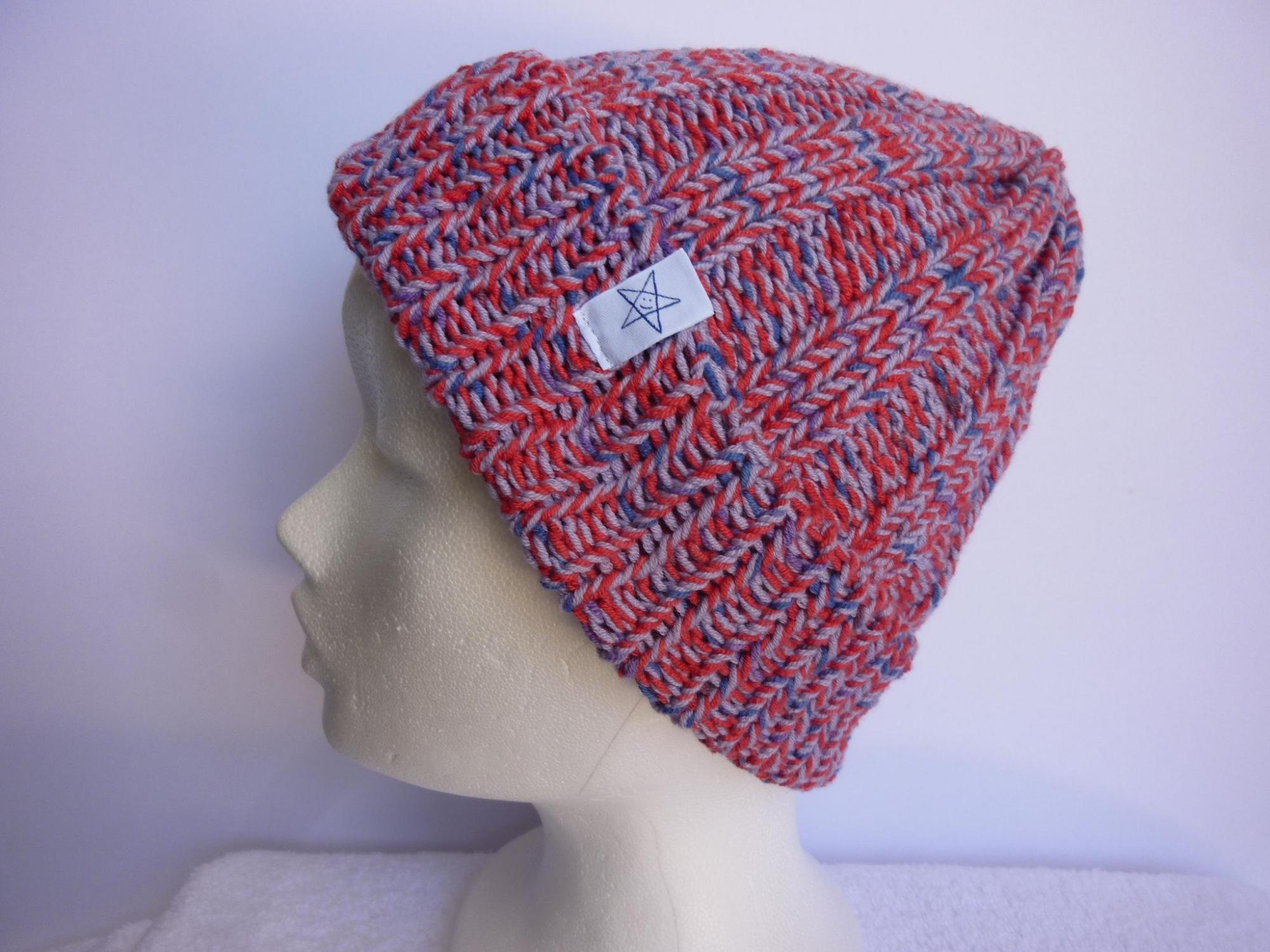 - Strickmütze Flieder Rot Blau aus Baumwolle handgestrickt - Strickmütze Flieder Rot Blau aus Baumwolle handgestrickt