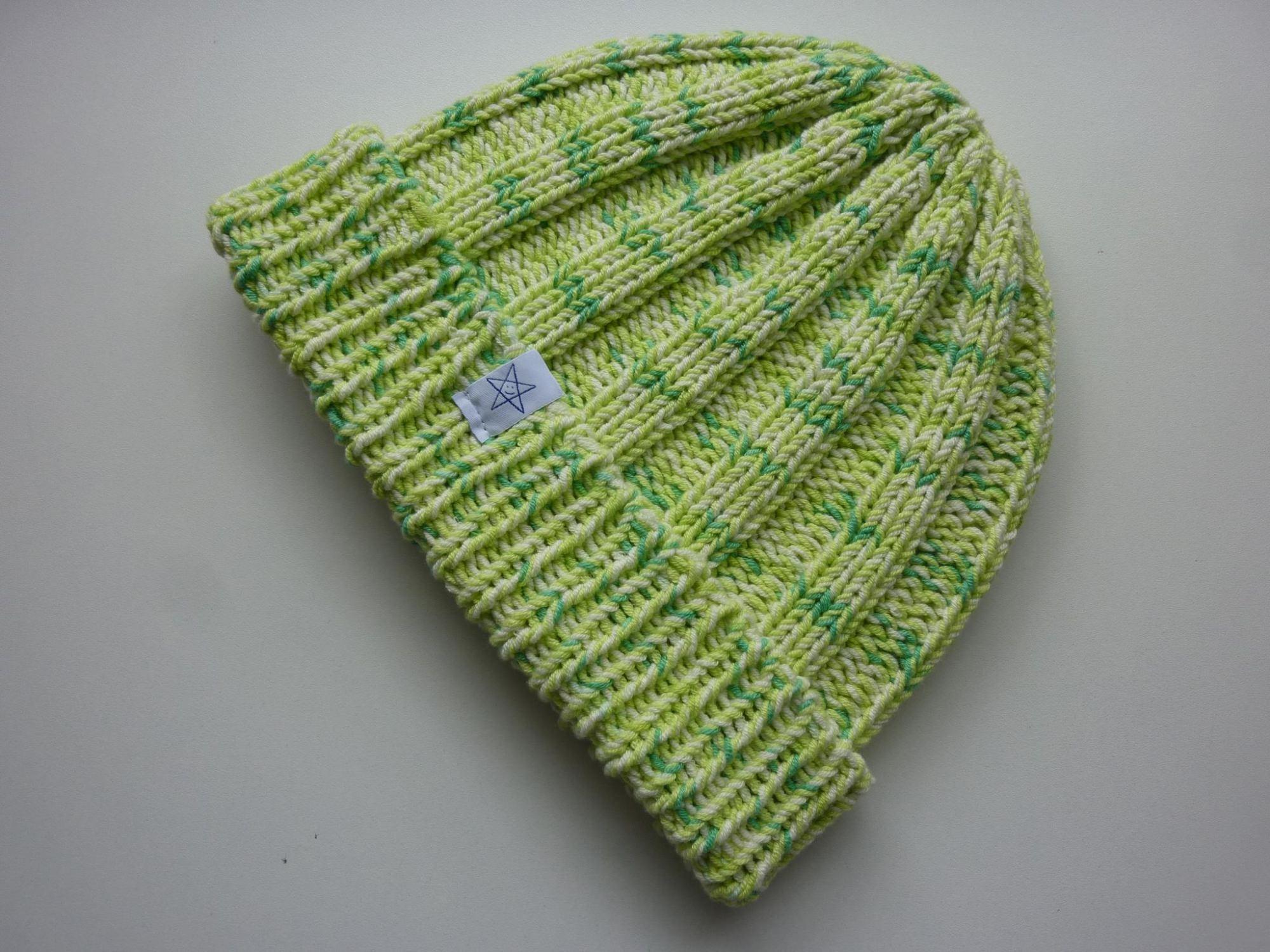 Kleinesbild - Strickmütze Hellgrün gemustert aus Baumwolle handgestrickt