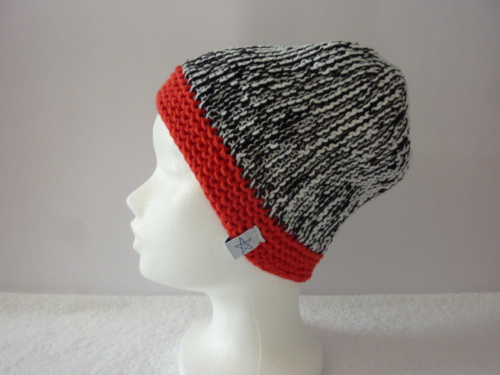- Strickmütze Schwarz Weiß Rot aus Baumwolle handgestrickt - Strickmütze Schwarz Weiß Rot aus Baumwolle handgestrickt