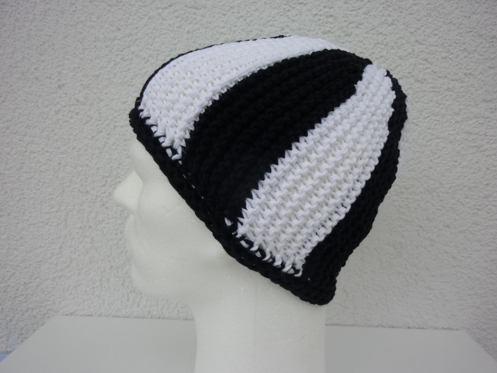 - Strickmütze Fußball-Fan schwarz weiß - Strickmütze Fußball-Fan schwarz weiß