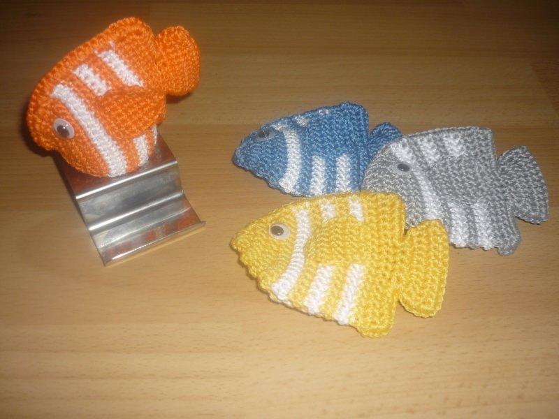Kleinesbild - 4 gehäkelte Eierwärmer – Fische - tolle Tischdeko