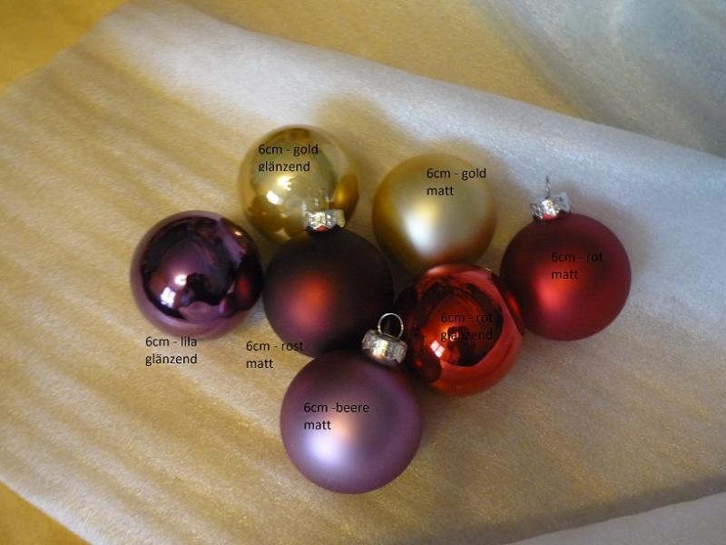 Kleinesbild - Personalisierte Glas-Weihnachtskugel mit Wunschname und Sternchen