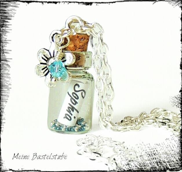Kleinesbild -  Flaschenpostkette mit Name auf Schriftrolle befüllte Kette