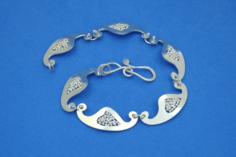 Kleinesbild - zartes Sterlingsilber-Armband handgearbeitet aus Argentium® kaufen